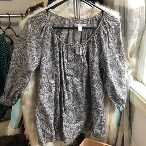 Woman's Old Navy shirt - size S
